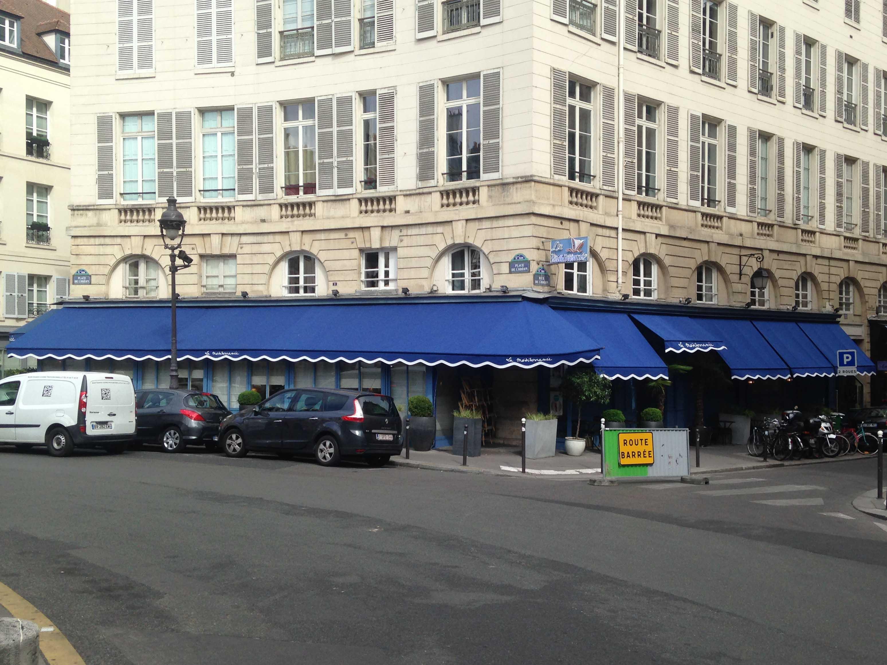 Store capote bleu