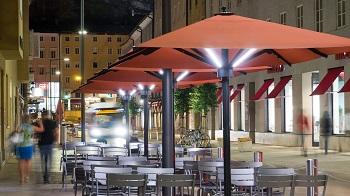 Parasol carrÈ gÈant Caravita chez Dupont Kine